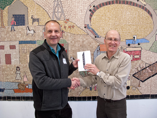 Peter Weiler won the iPad raffle